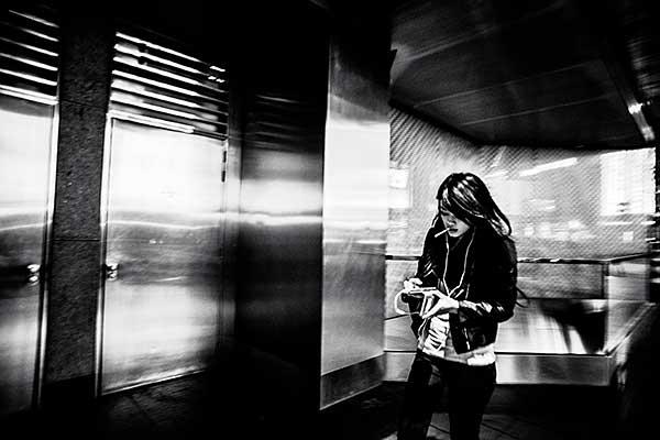 Bacani的攝影之路,在香港這個讓她疲於奔命的城市開始