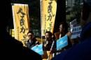 特首候選人林鄭月娥獲579張提名票,交表過程亂局橫生