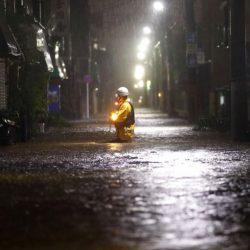 超強颱風登陸日本!已釀2死60傷 關東460萬人撤離